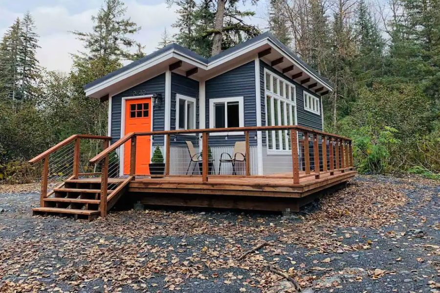 400sf Mystic Mountain Tiny House in Alaska 001