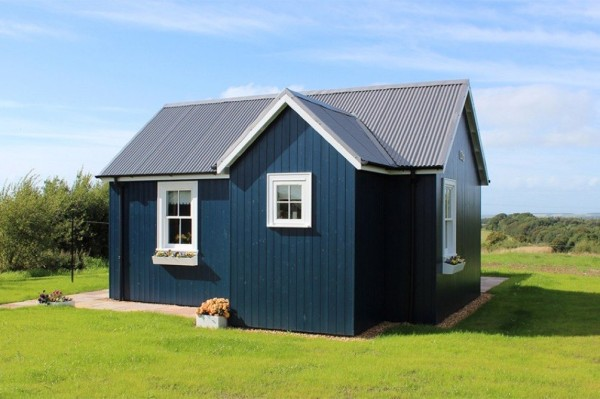 431-sq-ft-cottage-by-the-wee-house-company-0017
