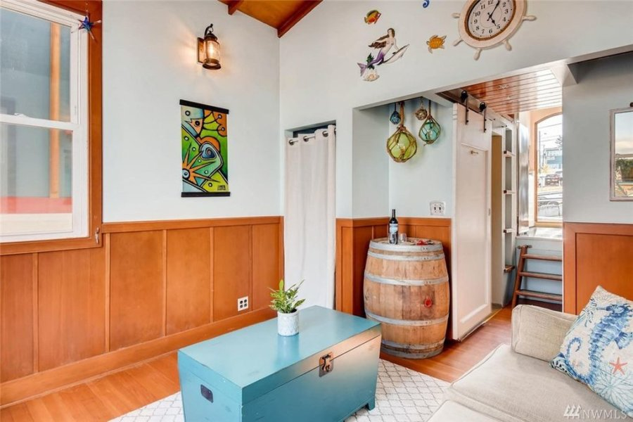 432-sq-ft Tiny Houseboat in Seattle via Realtor-com 0010