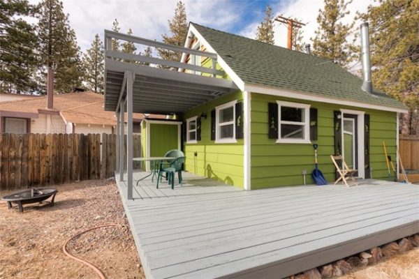 461sf Tiny Cottage in Fawnskin CA For Sale 0023