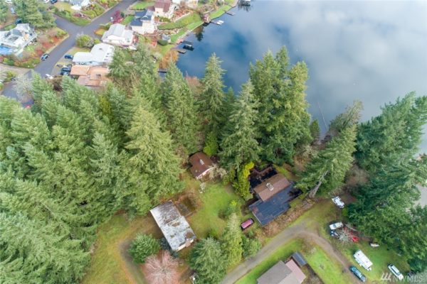 560-Square-Foot Long Lake Tiny House in Olympia 0011
