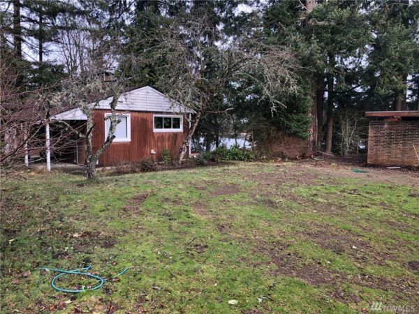 560-Square-Foot Long Lake Tiny House in Olympia 0020