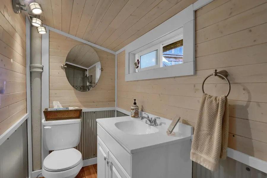 "The ""Chicken Coop"" Studio-Style Cabin"