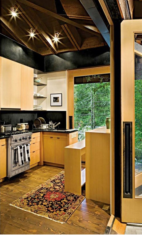 600-Sq-Ft-Tye-River-Cabin-Washington-005