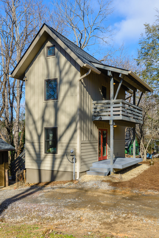 Wondrous Tiny Two Story Cottage In Asheville Download Free Architecture Designs Embacsunscenecom