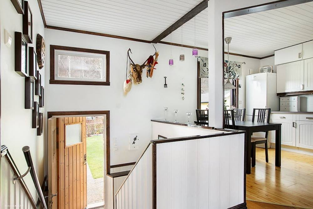 645-sq-ft-small-house-with-basement-in-sweden-02