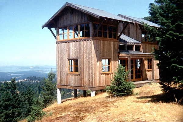 672 Sq Ft Two Story Tower Cabin