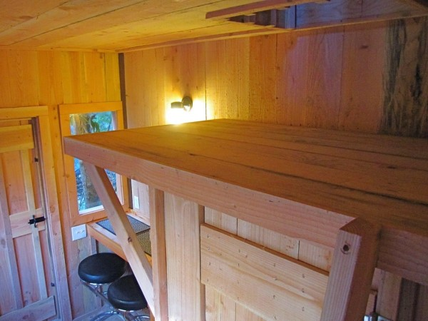 6x10-treehouse-inspired-tiny-house-built-with-scraps-by-molecule-tiny-homes-008