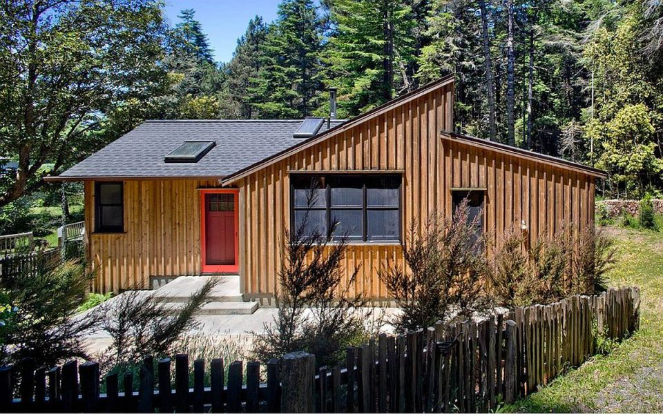 840 sq ft modern and rustic small cabin in the redwoods for 20x30 cabin ideas