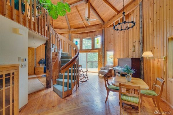 900 Sq. Ft. Round Cabin on 1.25 Acres in Tahuya