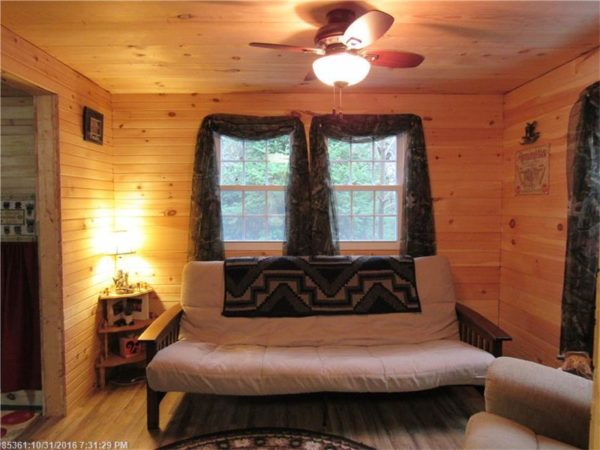 90k-tiny-cabin-on-23-acres-for-sale-009
