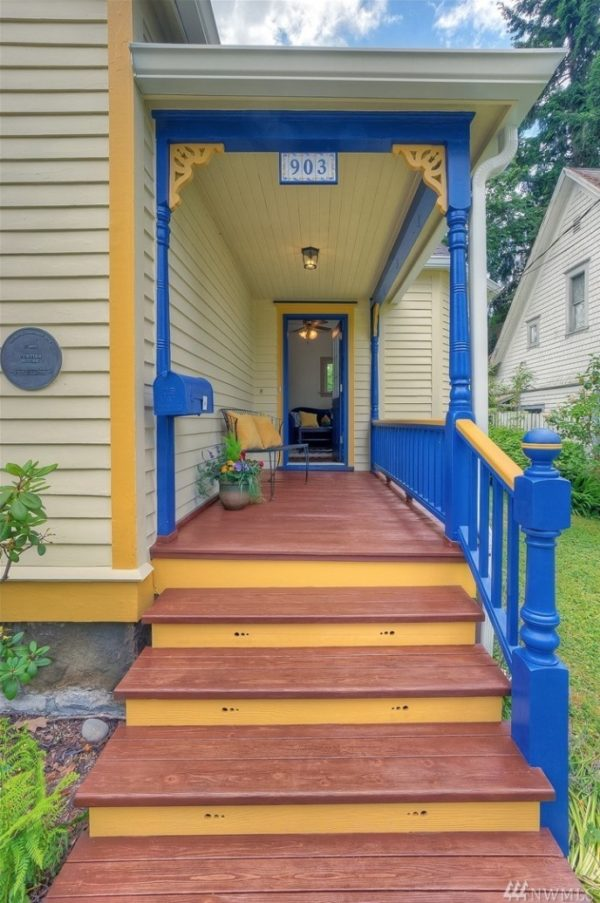 919sf Craftsman Style Victorian Cottage in Olympia For Sale 003