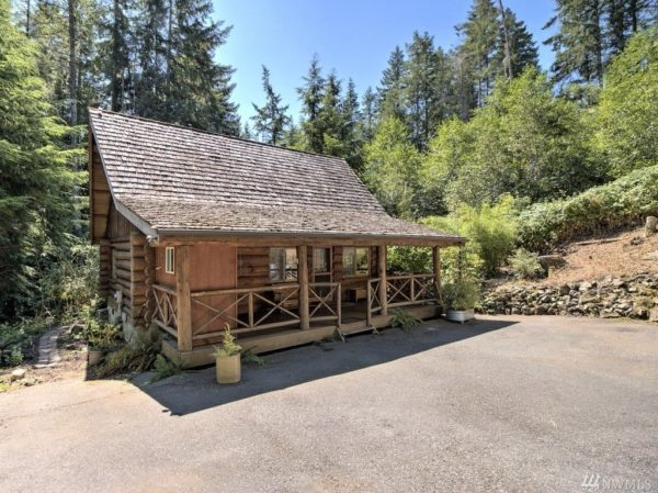 960 Sq Ft Log Cabin in Washington State