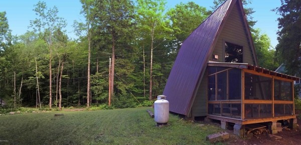 A-frame Cabin For Sale in Fort Ann 008