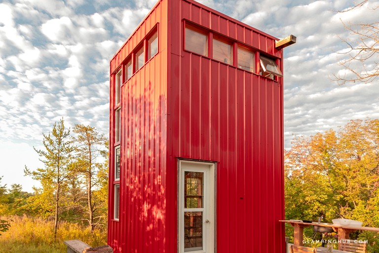 Bright Red Tall and Modern Tiny House near Belleville Ontario via Glamping Hub 0014