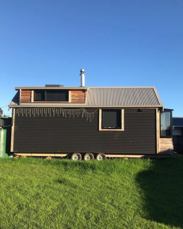 Camandas Love-Shack Tiny House in New Zealand via camandas_tinyhouse-Instagram 0020