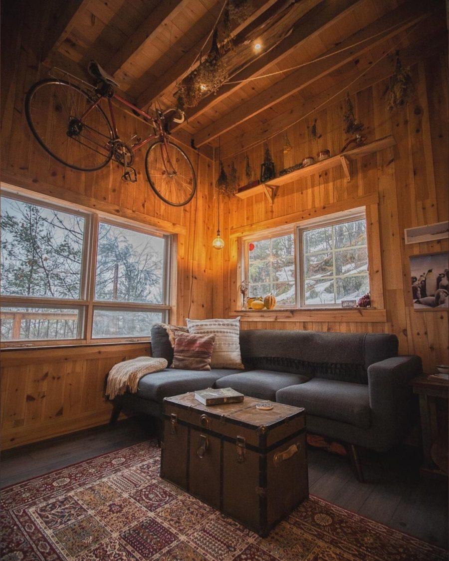 Canadian Castaway Cabin via canadiancastaway-Instagram 007