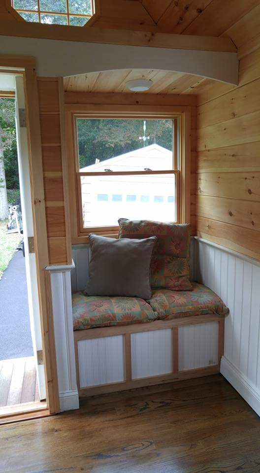$30k Cedar Shake Tiny House in Connecticut Images © Amy/Rich