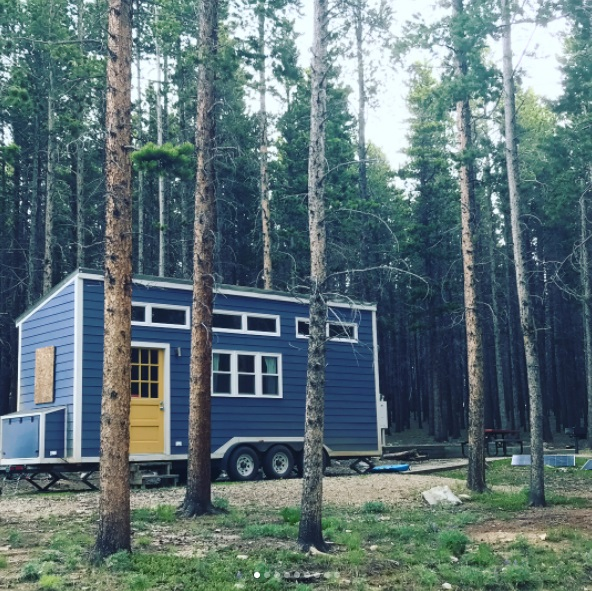 Couple Builds THOW in 9 months to Travel the USA