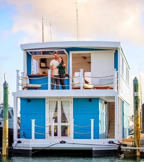 Couple Living their Dream on a House Boat in New Zealand-001