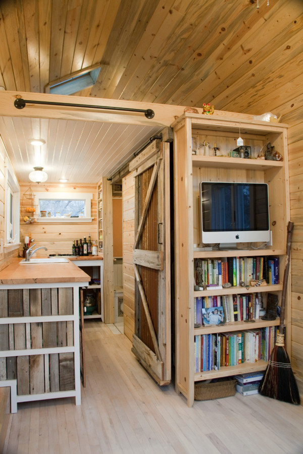 Craftsman Tiny House For Sale 005