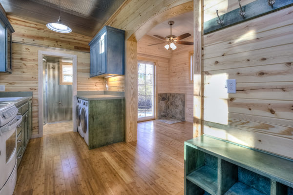 double-wide-container-house-with-rustic-interior-003