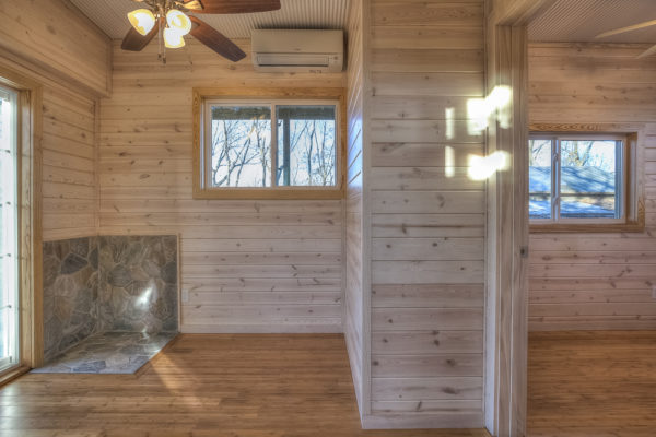 double-wide-container-house-with-rustic-interior-015
