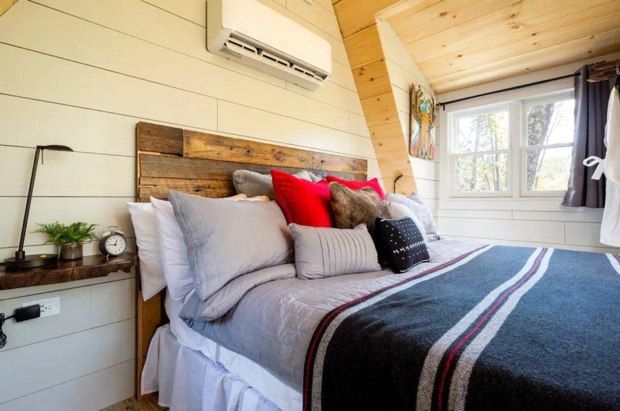 Enchanting Tree-Cabin Dawsonville GA via Debra-Airbnb 004