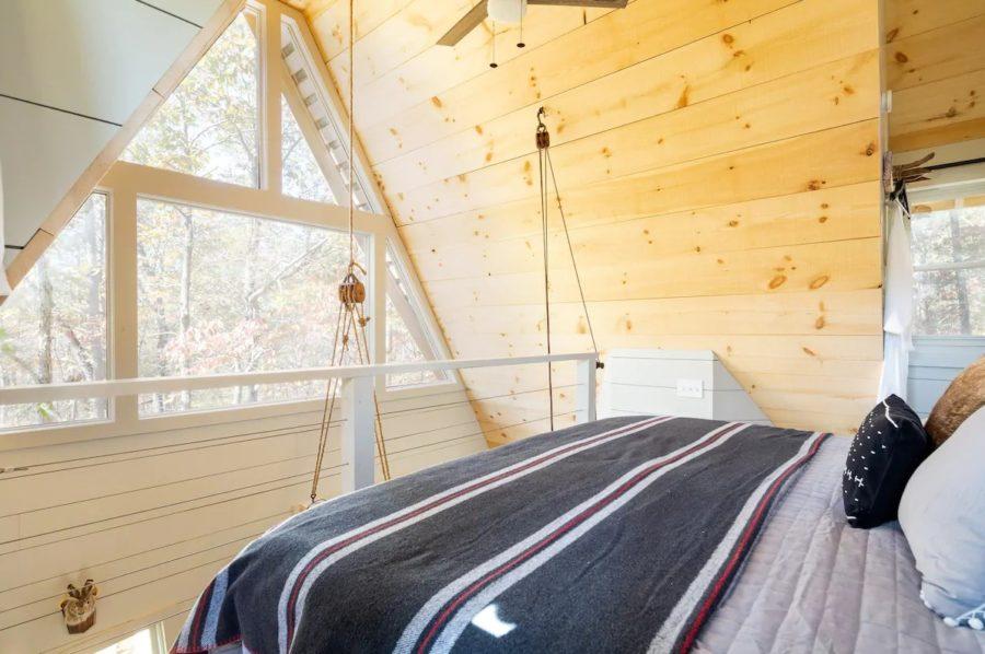 Enchanting Tree-Cabin Dawsonville GA via Debra-Airbnb 005