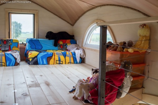 Family's Life in their Beautiful Tiny Home 0041