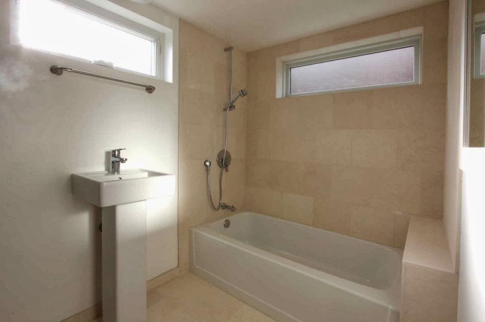 Simple and Modern Bathroom
