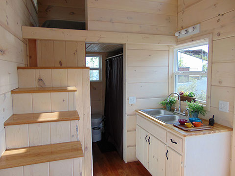 green-living-incredible-tiny-house-003