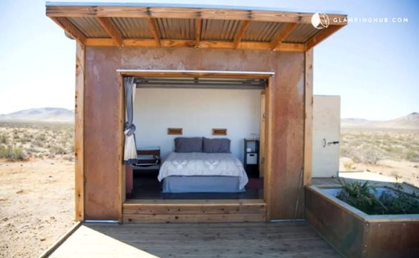 Group of Three Tiny Cabins in the Mojave Desert 004