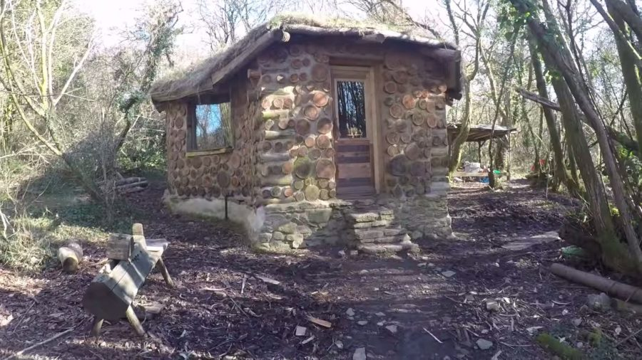 He Built This Tiny Round Cabin For Only 4k – via Kris Harbour Natural Building YouTube 007