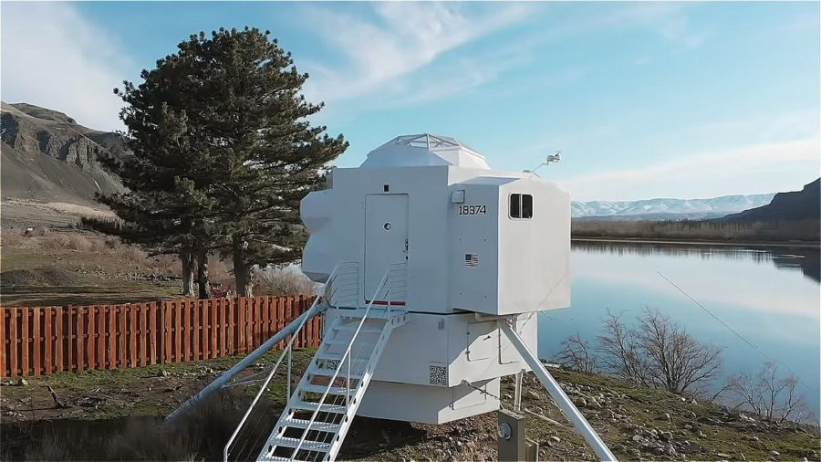 He built a Sci-Fi tiny house that's a replica of the Lunar Lander Image © Tiny House Giant Journey 0013