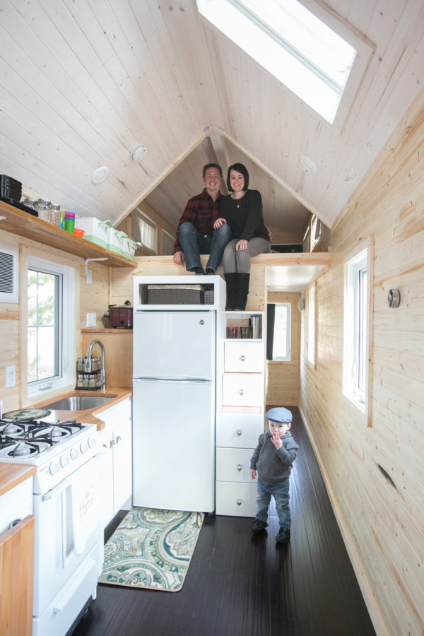 Hogan Tiny House Family 0016