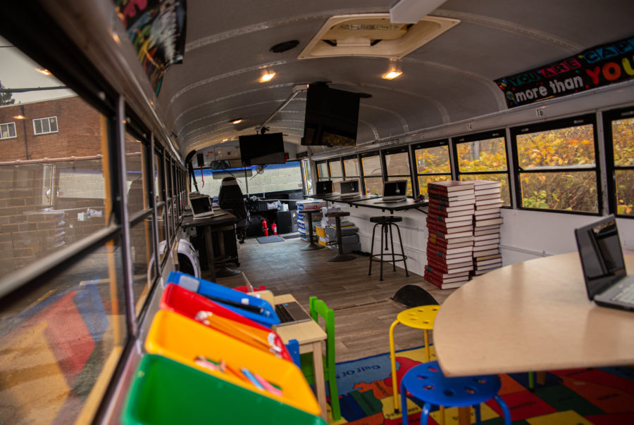 Bus Turned Into Mobile Classroom For Economically Disadvantaged Students 2