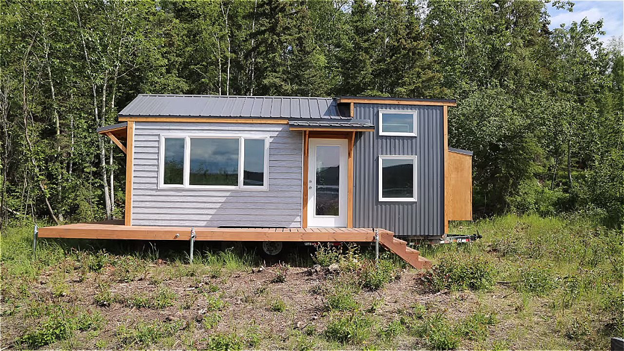 Couple's Quartz Tiny House on Wheels - And Free Plans to Build Your Own