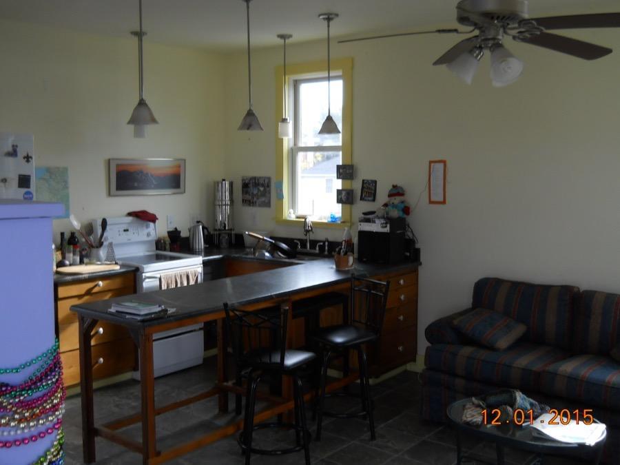 Jane Dwinells 648 Sq Ft Tall Cottage 002