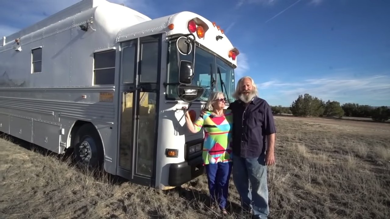 Retired couple's residential-quality skoolie