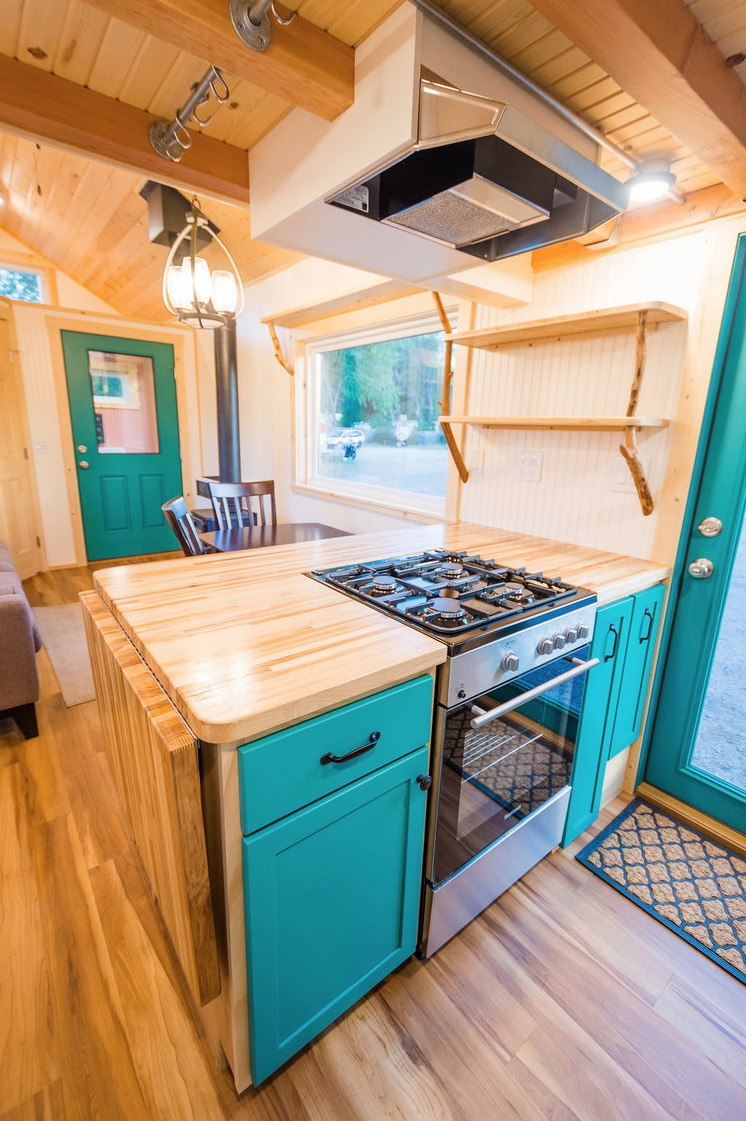 Lauras Amazing 10ft Wide Tiny House by MitchCraft Tiny Homes