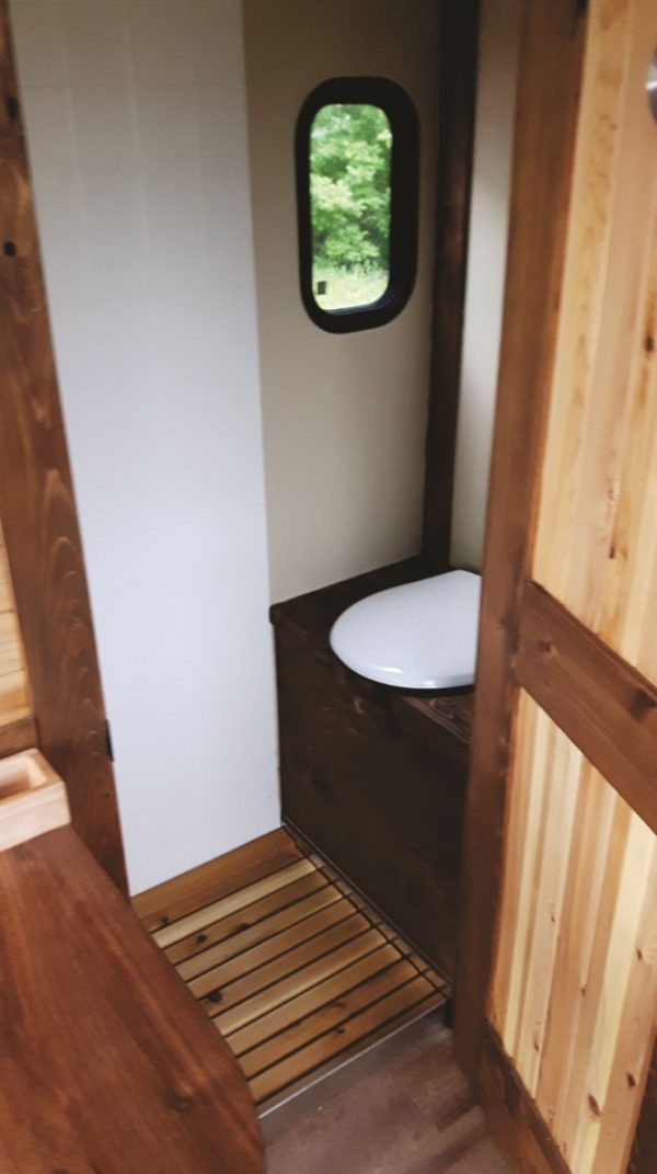 Le Koroc Tiny House Boat 0017