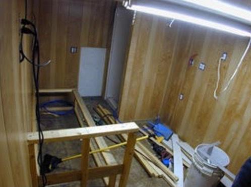 Living in my Box Truck by Bill Cogar II via TinyHouseTalk-com 005