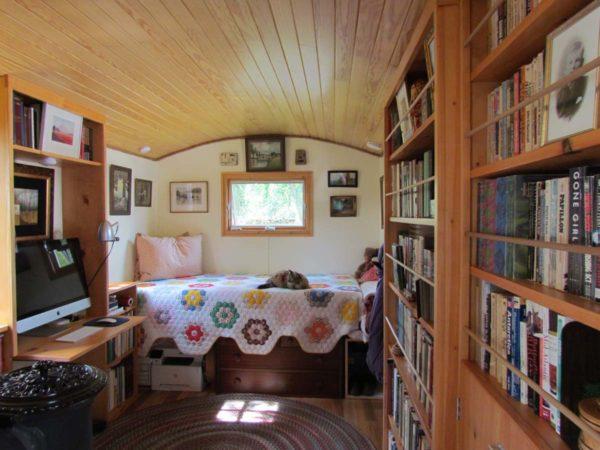 24ft Caravan Tiny House With Main Floor Sleeping For Sale