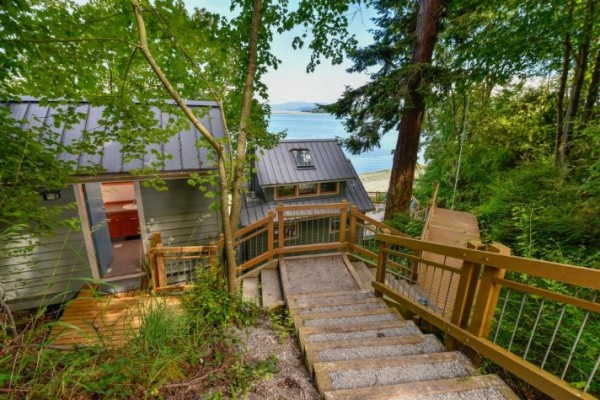 Lummi Island Cottage 0011