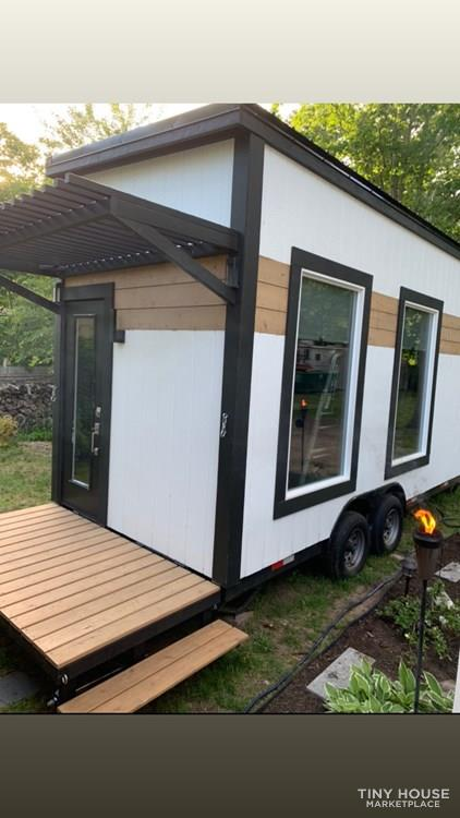 Manhattan Tiny House by Tiny Hamptons for sale 001