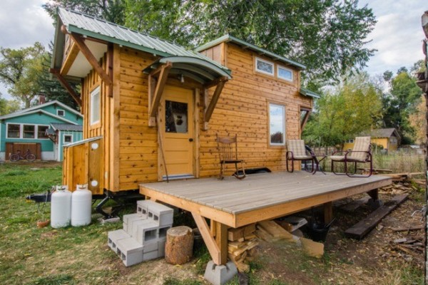 Incredible mitchcraft tiny home built on an 18′ trailer that will amaze you