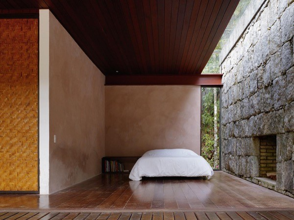 Modern-753-Sq-Ft-Cabin-Brazilian-Rainforest-009