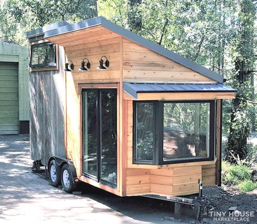 ModernVintage 200-sq.-ft., 18-ft. Tiny House for 35k 009
