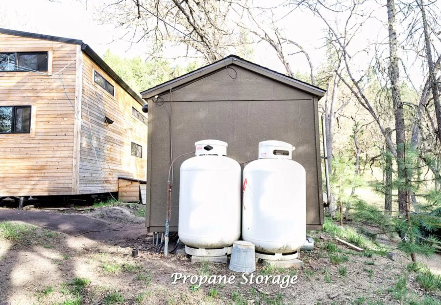 Multiple Tiny Houses on 5 Acres in Ashland OR via Zillow 0028